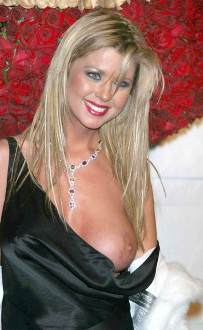 Tara Reid - Boobpedia - Encyclopedia of big boobs